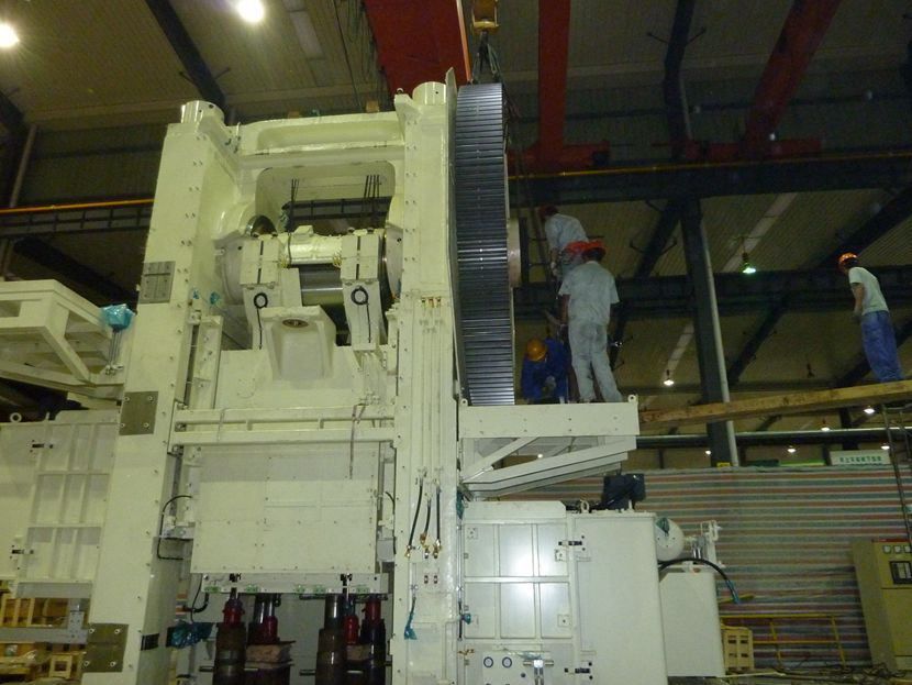 设备搬运公司针对大型设备如何搬运
